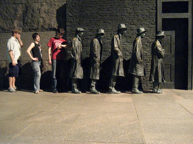 20-Great Depression Bread Line Statue, New Jersey, USA
