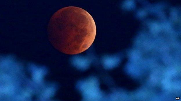 blood moon3